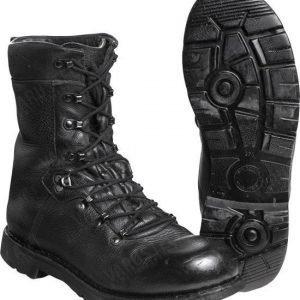 BW taistelijan kengät 2000 ylijäämä