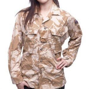 Brittiläinen CS95 kenttäpusero Desert DPM ylijäämä tyttökuvalla