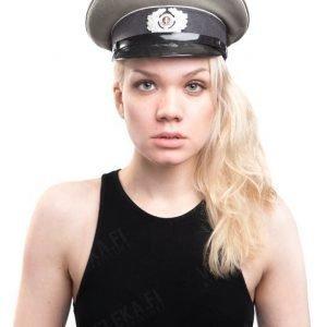 NVA koppalakki upseerin ylijäämä tyttökuvalla