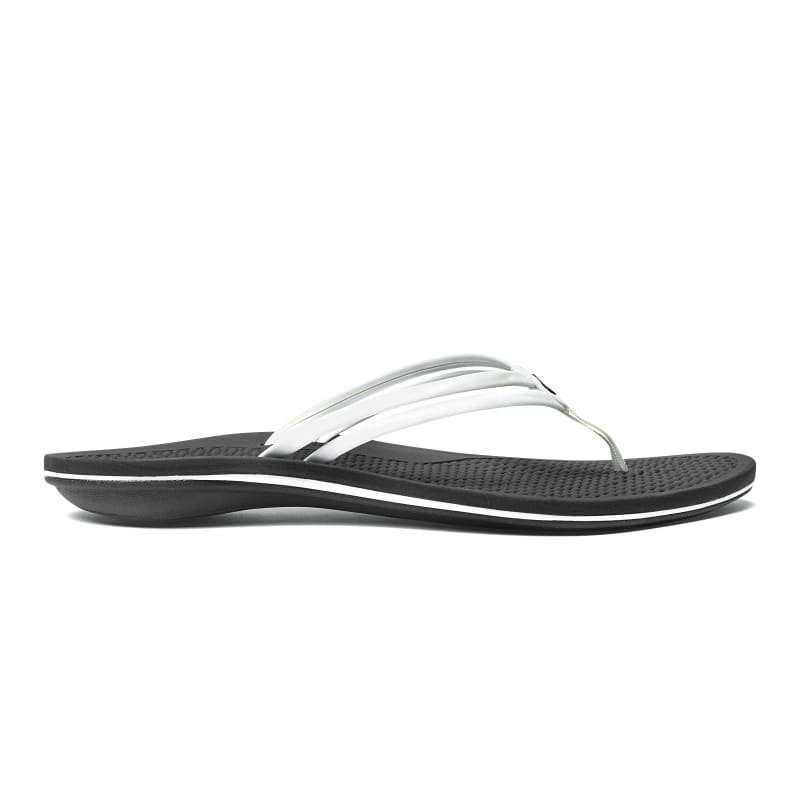 OluKai Unahi 36 White/Black