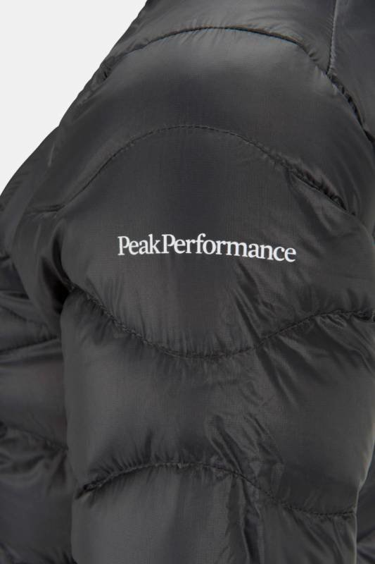 Peak Performance Helium Hood Women's Jacket Musta XL