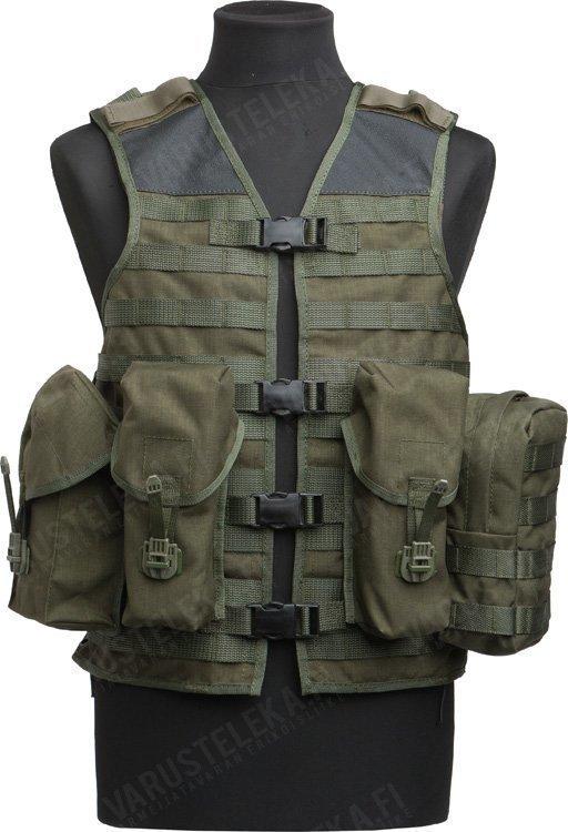 SA M05 taisteluliivi taskuilla