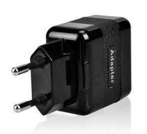 WAVE verkkolaturisovitin 2:ll USB liitimellä